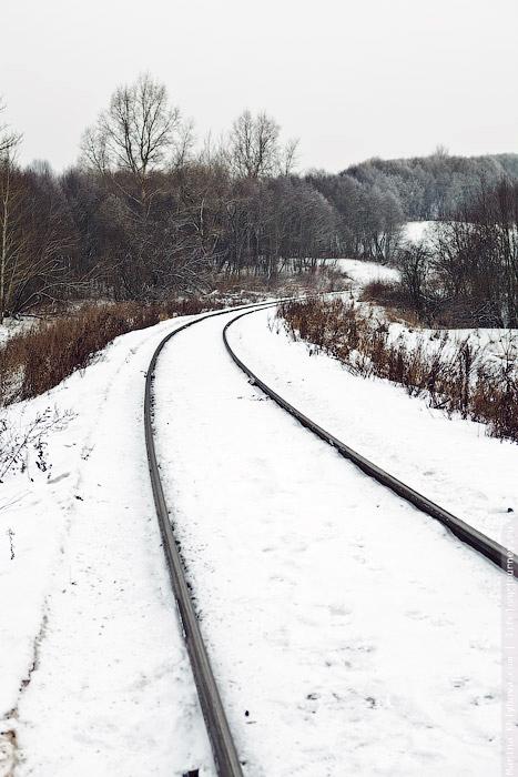 По железной дороге на лыжах