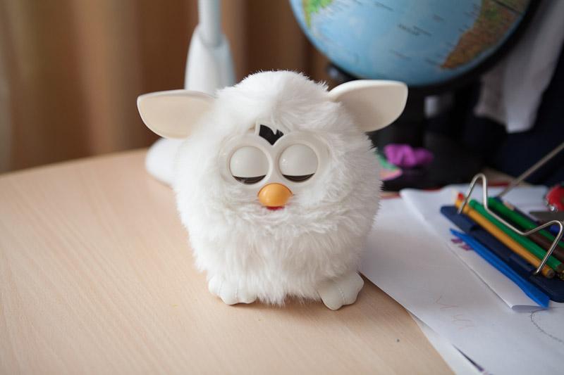 Furby спит