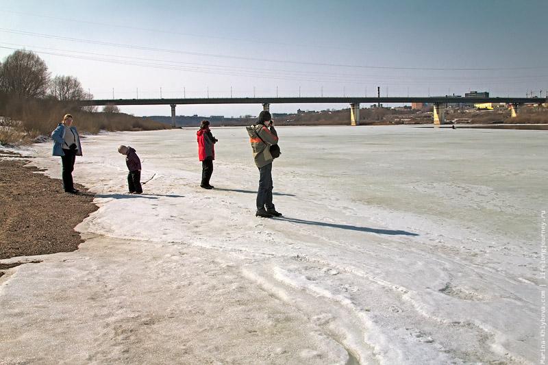 Лед у моста