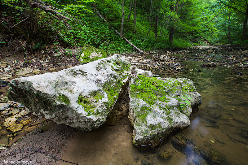 Камни в русле Бунчихи