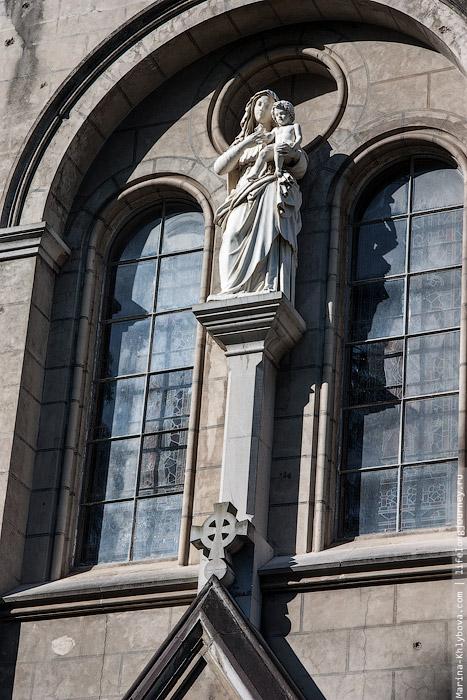 Скульптура на соборе в Эль Пито
