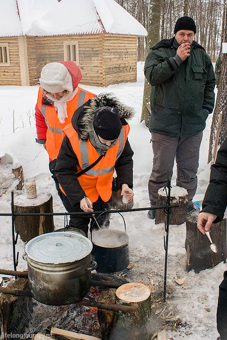 Уха и горячий чай у Рдейского монастыря
