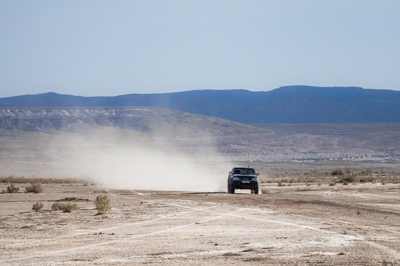 По такыру можно ехать со скоростью более 100 км/ч